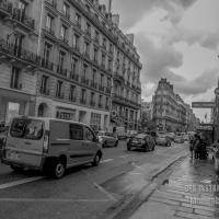 EN CHEMIN : Attendre sous la pluie
